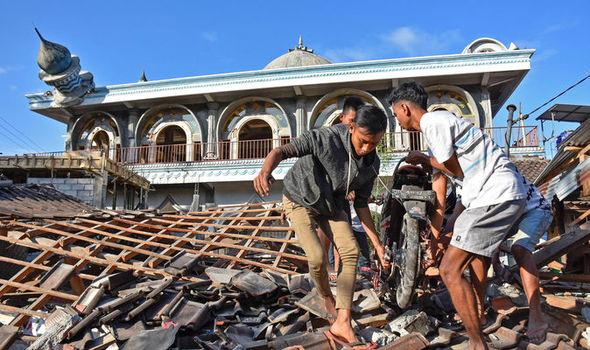 ინდონეზიაში მიწისძვრის შედეგად გარდაცვლილთა რიცხვი 105-მდე გაიზარდა