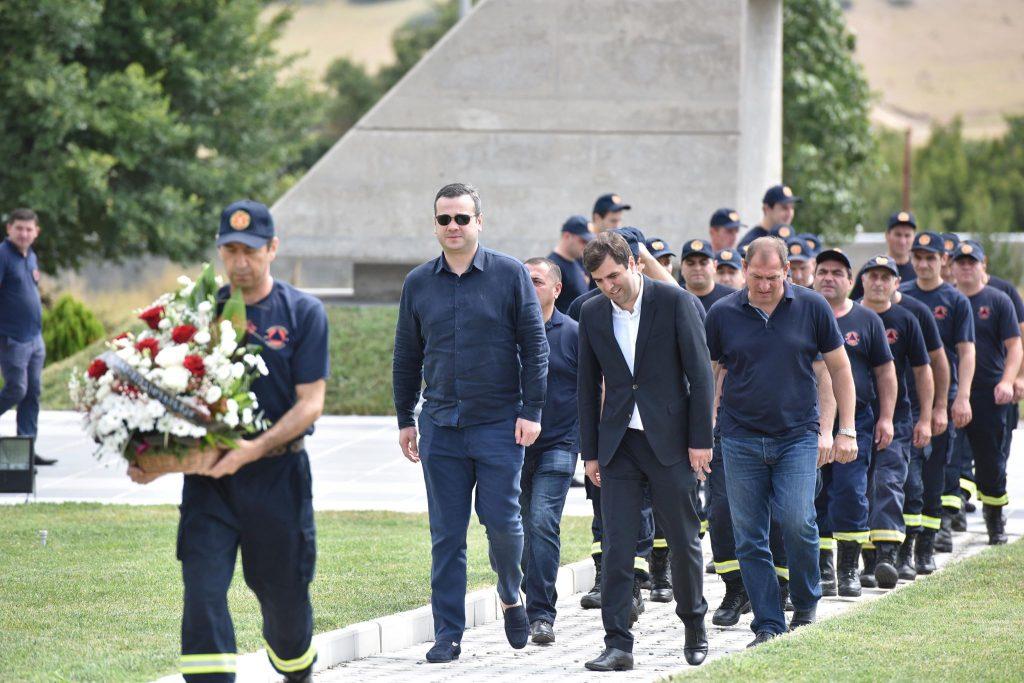 Пожарный-спасатель об августовской войне: мы старались погасить пожар и спасти людей