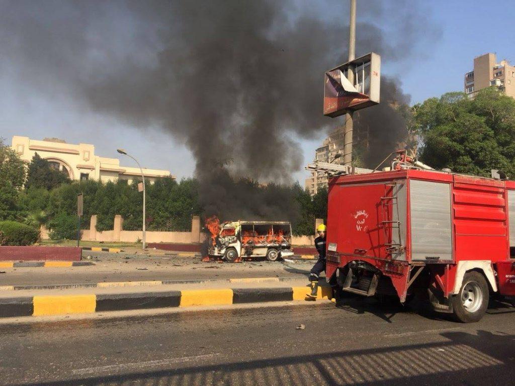 В результате взрыва автомобиля в Каире пострадали несколько человек
