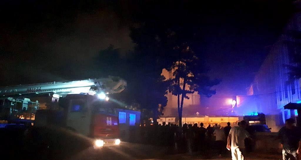 ოკუპირებულ ცხინვალში, დე ფაქტო პრეზიდენტის ადმინისტრაციის შენობაში რამდენიმე კაბინეტი დაიწვა