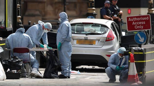 ლონდონის ცენტრში ტერორისტული ინციდენტის შემდეგ ბრიტანეთის პოლიციამ ორ ქალაქში ჩხრეკა ჩაატარა