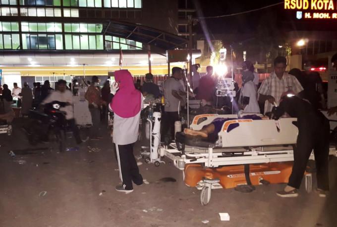 Количество жертв в результате землетрясения в Индонезии увеличилось до 91 человека