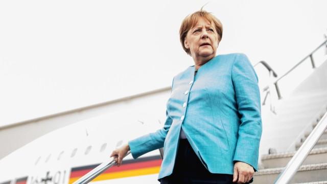 """Süddeutsche Zeitung -ანგელა მერკელი საქართველოს მიმართ სოლიდარობას აფხაზეთსა და """"სამხრეთ ოსეთში"""" დაღუპულ მეომართა მემორიალის გვირგვინით შემკობით გამოხატავს"""