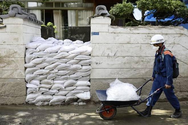 """შანხაიში ტაიფუნ """"ჯონდარის"""" გამო სიფრთხილის """"ნარინჯისფერი"""" დონე გამოცხადდა"""