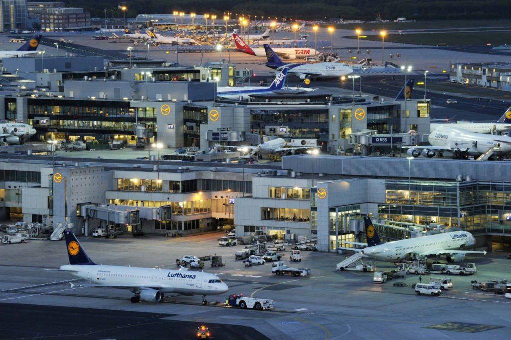 Из двух терминалов Франкфуртского аэропорта была осуществлена эвакуация