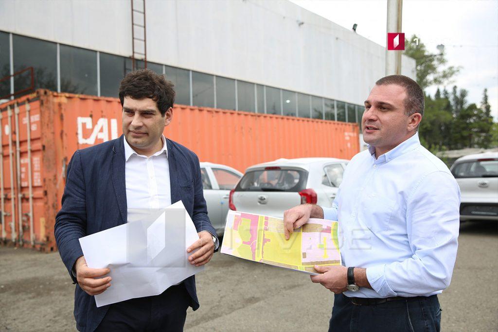 საკრებულოს უმრავლესობის წარმომადგენლები აცხადებენ, რომ Kia Motors-ის ცენტრთან მშენებლობა უკვე არსებული შენობის ტერიტორიაზე იგეგმება
