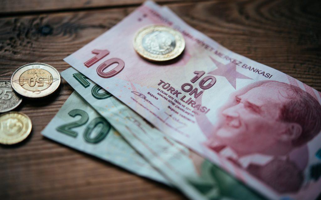 თურქეთის ცენტრალური ბანკი აცხადებს, რომ ლირის კურსის სტაბილურობისთვის ყველა ზომას მიმართავს
