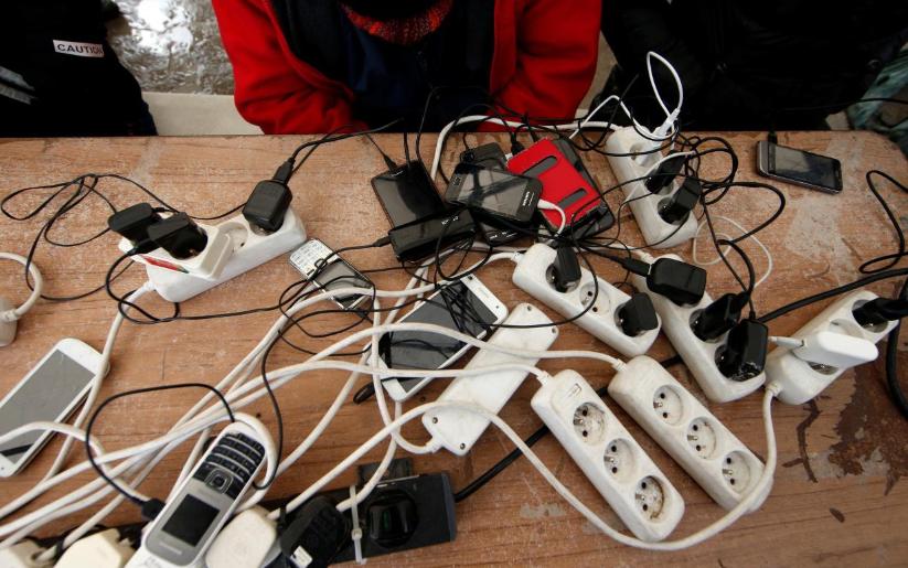 ევროკავშირი მობილური ტელეფონის დამტენის ერთიანი სტანდარტის დანერგვას ითხოვს
