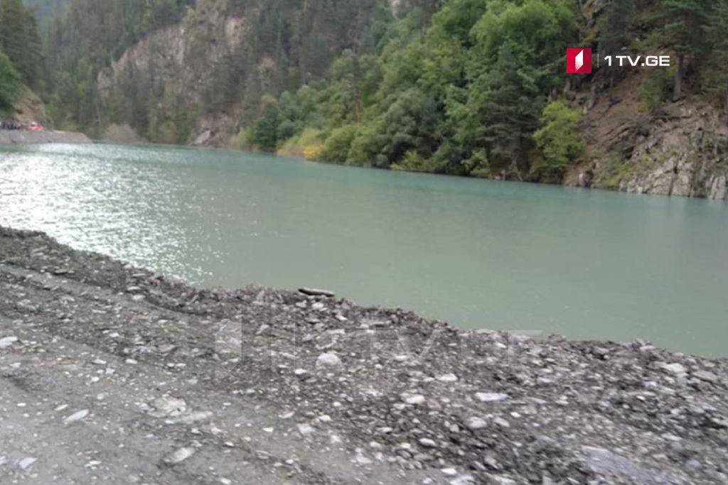 Water level rises in lake on road to Tusheti