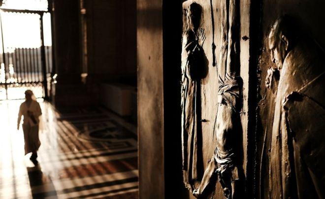 გერმანიაში კათოლიკე მღვდლები ათასობით ბავშვის მიმართ სექსუალურ ძალადობაში ამხილეს