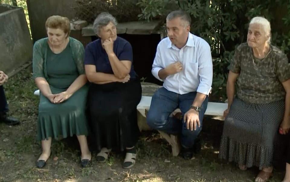 დავით ბაქრაძე ბაღდათის რაიონის სოფელ ობჩაში მოსახლეობას შეხვდა
