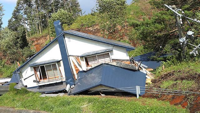 Количество погибших в результате землетрясения в Японии выросло до 44 человек