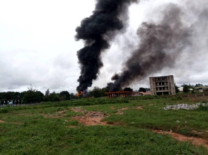 ნიგერიაში გაზის ტანკერის აფეთქებას სულ მცირე 35 ადამიანი ემსხვერპლა
