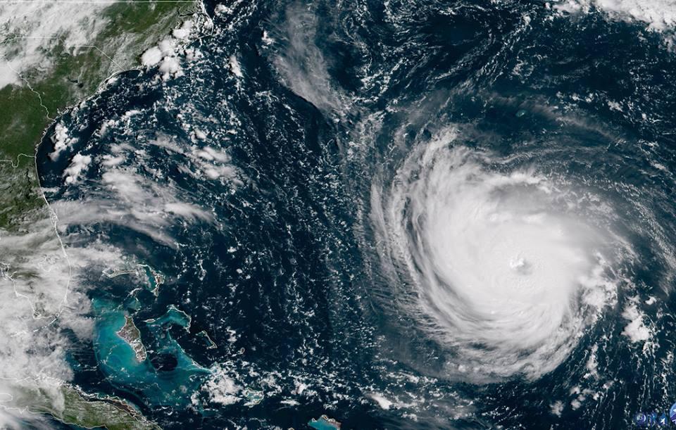 დონალდ ტრამპი - ქარიშხალი ფლორენსი ბოლო ათწლეულების განმავლობაში შესაძლოა, ყველაზე ძლიერი იყოს