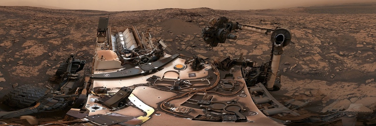 მარსმავალმა Curiosity-მ წითელი პლანეტის მთაზე თვალწარმტაცი პანორამული სელფი გადაიღო