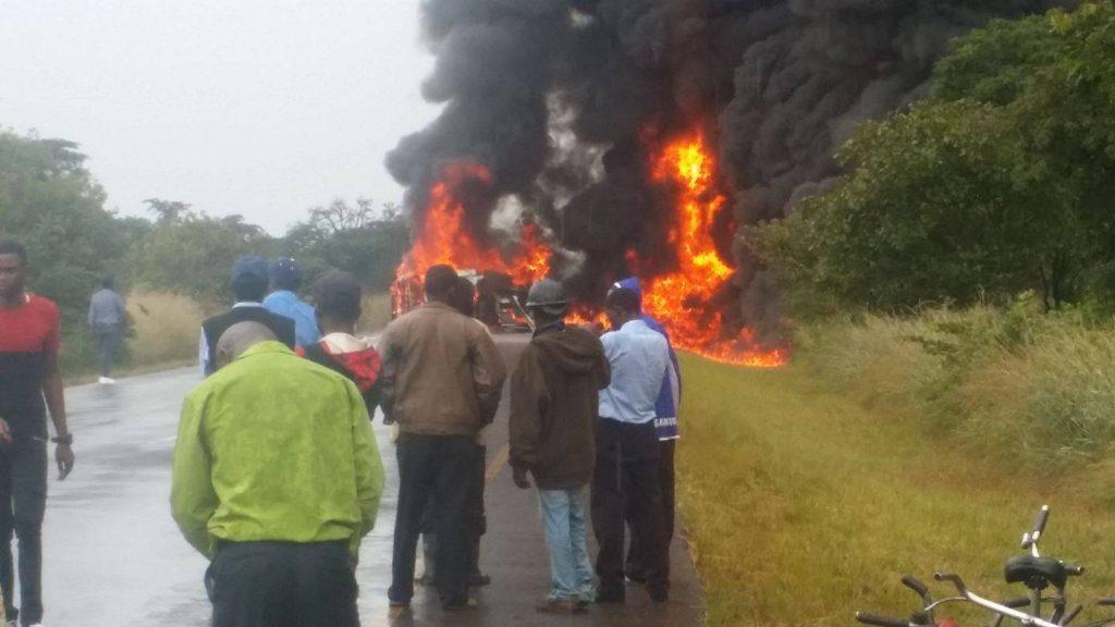 კონგოში ნავთობმზიდის ავტოკატასტროფის შედეგად სულ მცირე 50 ადამიანი დაიღუპა