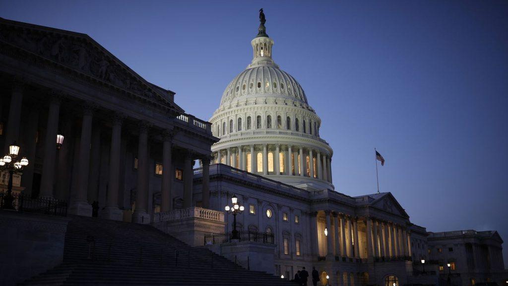 NBC - ამერიკელების 50 პროცენტს შუალედურ არჩევნებში დემოკრატების გამარჯვება სურს