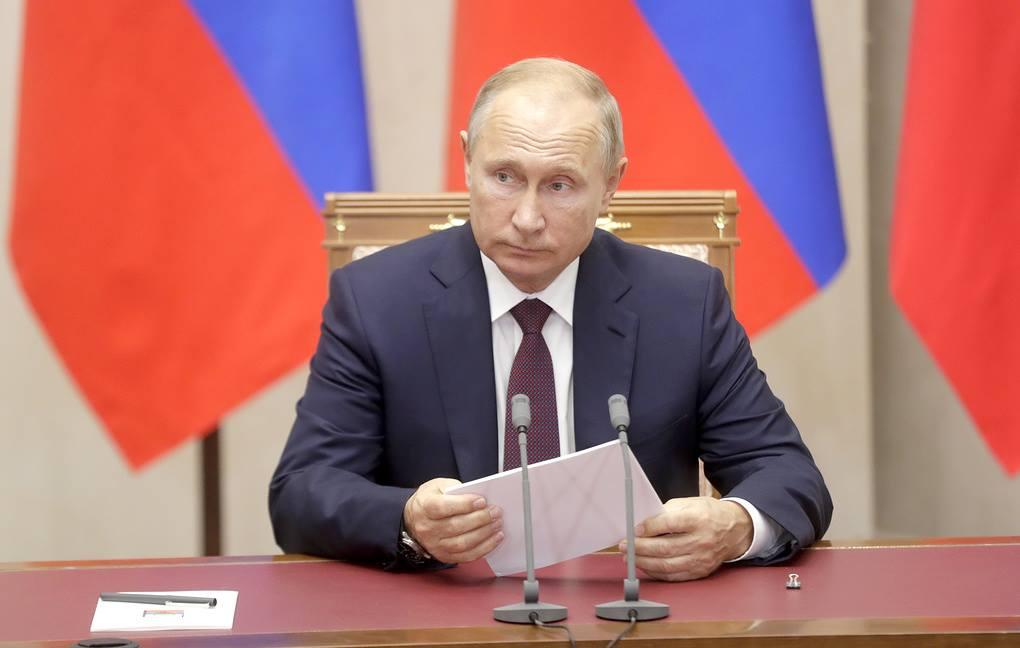 Путин подписал указ о предоставлении российского гражданства в упрощённом порядке жителям самопровозглашённых Донецкой и Луганской республик