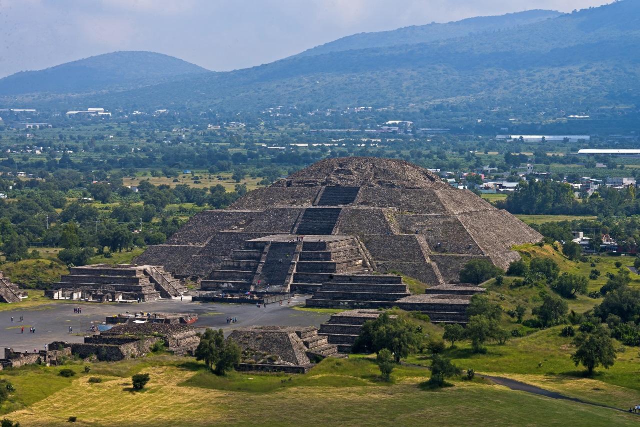 მექსიკაში უძველესი პირამიდის ქვეშ საიდუმლო გვირაბი და ოთახი აღმოაჩინეს