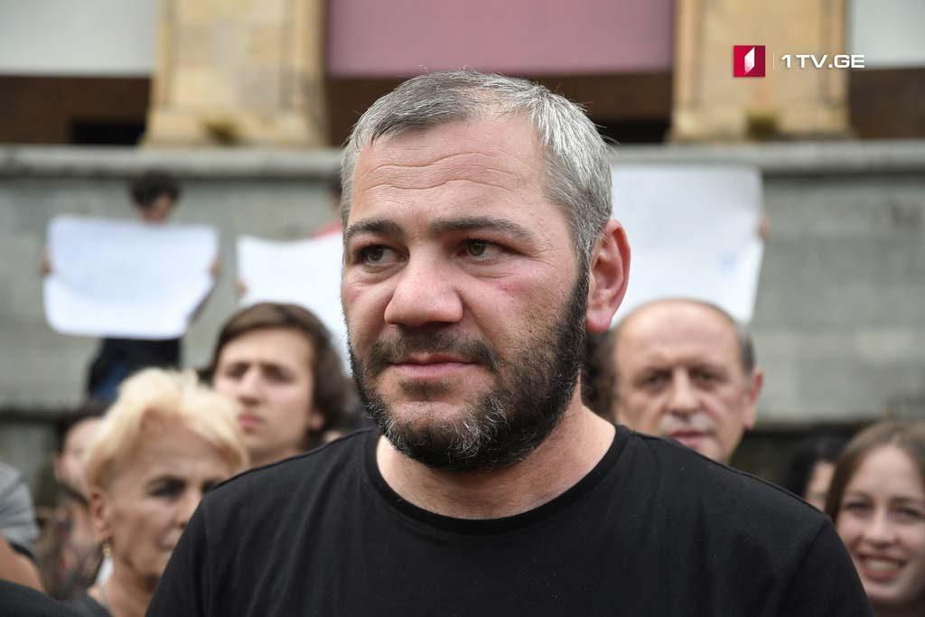 В связи с новогодними мероприятиями мэрия Тбилиси попросила Зазу Саралидзе изменить время и место запланированной с 7 декабря акции