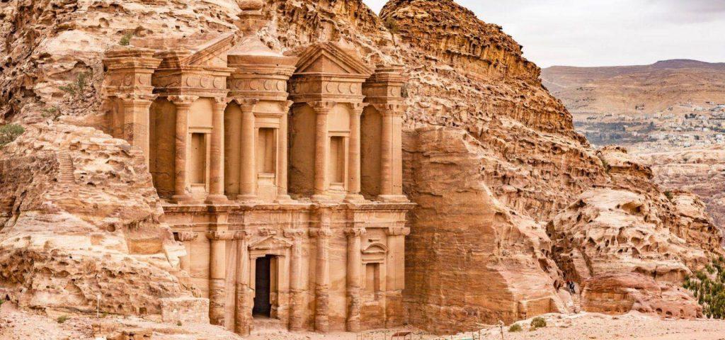 იორდანიაში ისტორიულ ქალაქ პეტრას მიმდებარე ტერიტორია დაიტბორა