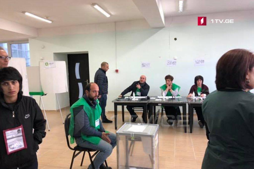 Ախալքալաքի առաջին ընտրատեղամասի դիտորդի հայտարարությամբ, տեղամասում գրանցվել է խախտում