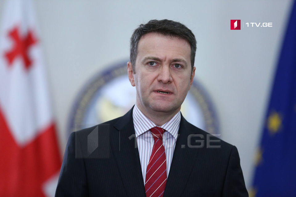 Владимир Константиниди - 11 лет назад Россия начала оказывать активное давление на страны международного содружества, чтобы они признали т.н. независимость Абхазии и Южной Осетии