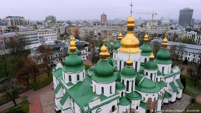 პეტრო პოროშენკო აცხადებს, რომ უკრაინის მართლმადიდებელი ეკლესიების გამაერთიანებელი კრება 15 დეკემბერს გაიმართება