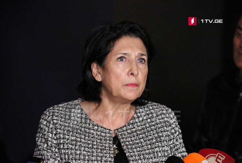 Сaломе Зурaбишвили – Аинaугурaциa aшьҭaхь ҳполитикaтә ҧсҭaзaaрa иaлaгоит, сaрa уи aзыҳәaн сыхиоуп