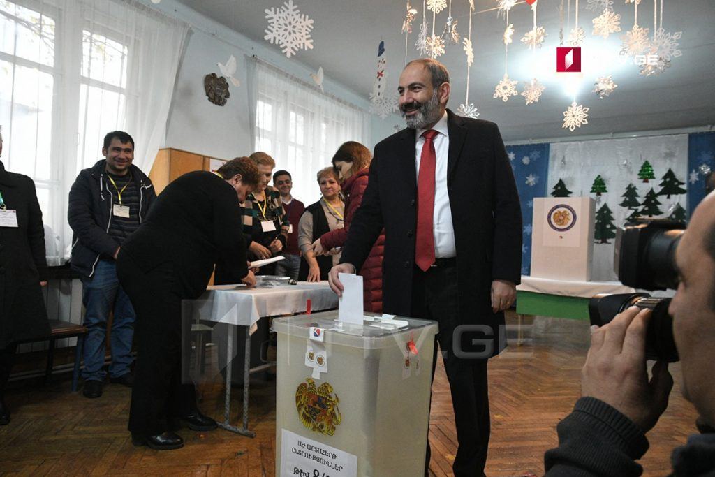 Նիկոլ Փաշինյան. Քվեարկել եմ հանուն ազատ Հայաստանի, երկրի ժողովրդավարական զարգացման և տնտեսական առաջընթացի (ֆոտո)