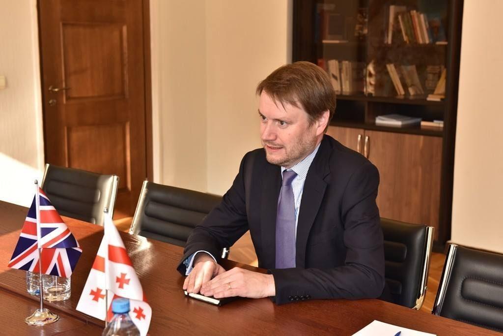 Джастин Маккензи Смит – Правительство Британии поздравило новоизбранного президента Грузии с победой, думаю, в ближайшие дни еще будут послания