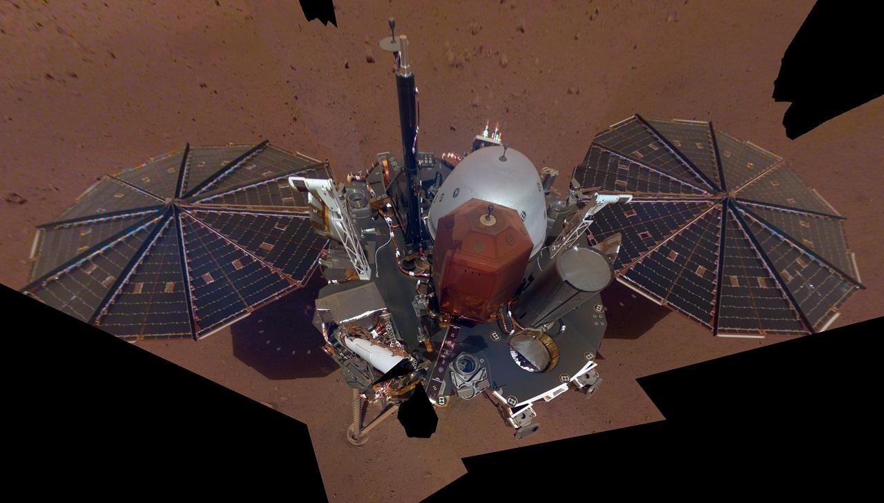 ხომალდმა InSight-მა მარსზე პირველი სელფი გადაიღო