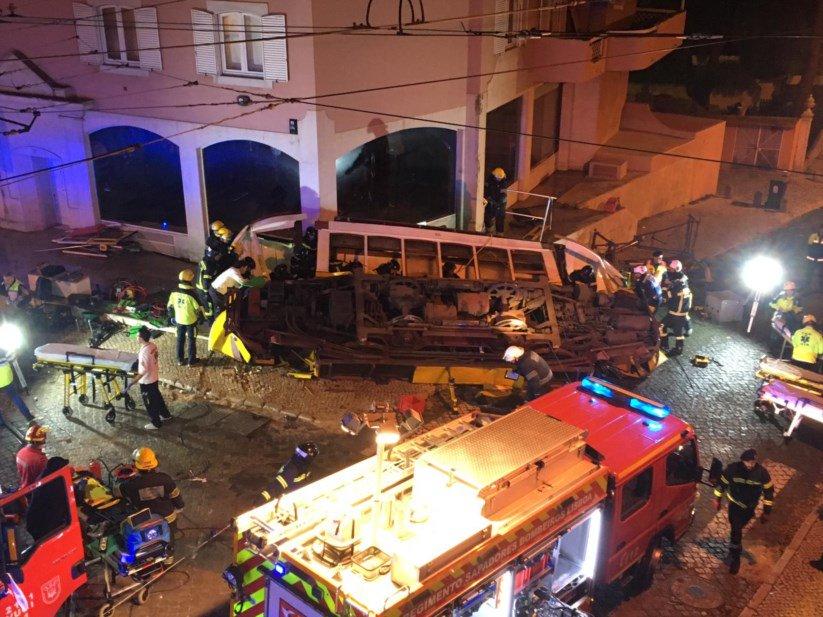 ლისაბონში ტრამვაი რელსებიდან გადავიდა - დაშავდა 28 ადამიანი