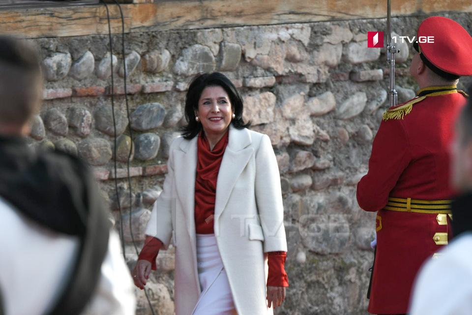 Зарубежная медия пишет об инаугурации президента Грузии Саломе Зурабишвили
