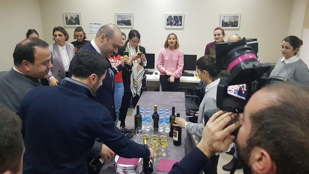 Мамука Бахтадзе поздравил представителей медии с наступающими Новым годом и Рождеством