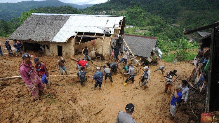 ინდონეზიაში მეწყერს 15 ადამიანის სიცოცხლე ემსხვერპლა
