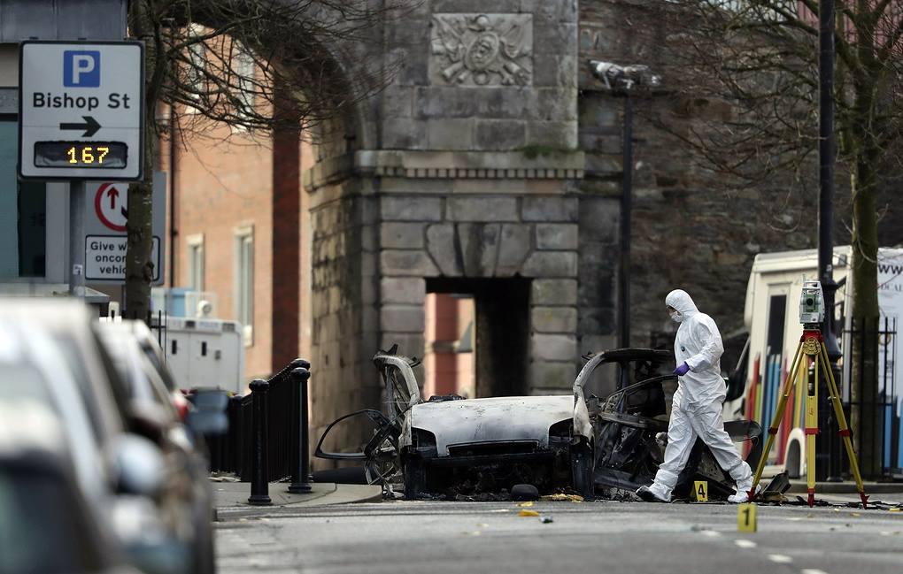 ჩრდილოეთ ირლანდიაში, სასამართლოს შენობასთან ავტომობილის აფეთქებასთან დაკავშირებით პოლიციამ ორი მამაკაცი დააკავა