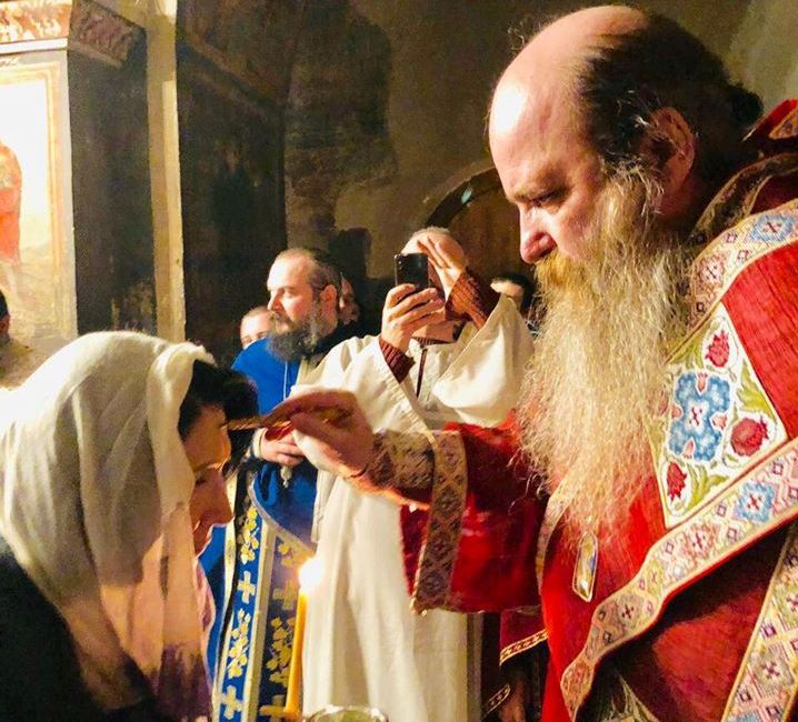 ნინოობის დღესასწაულთან დაკავშირებით, სალომე ზურაბიშვილი ბოდბის მონასტერში წირვას ესწრება