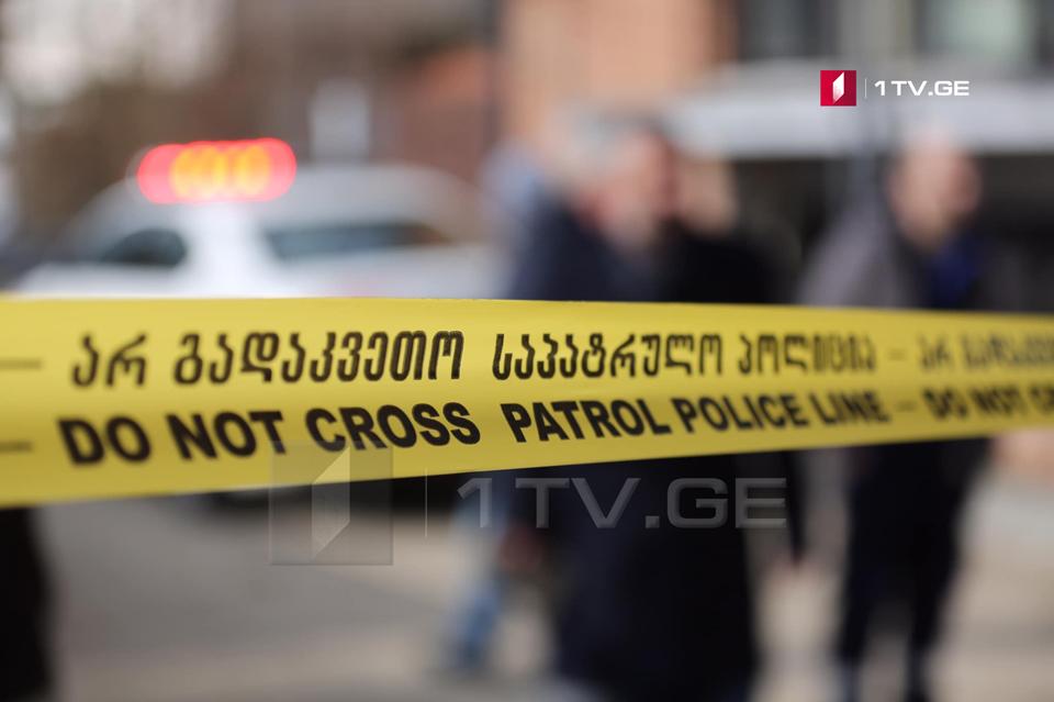 თბილისში საცხოვრებელი კორპუსის მეათე სართულიდან 45 წლამდე ქალი გადმოვარდა და გარდაიცვალა