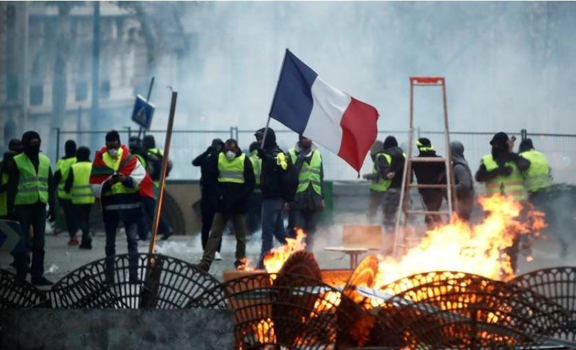 საფრანგეთის პარლამენტმა მხარი დაუჭირა კანონპროექტს, რომელიც აქციების მონაწილეებისთვის შეზღუდვებს ითვალისწინებს
