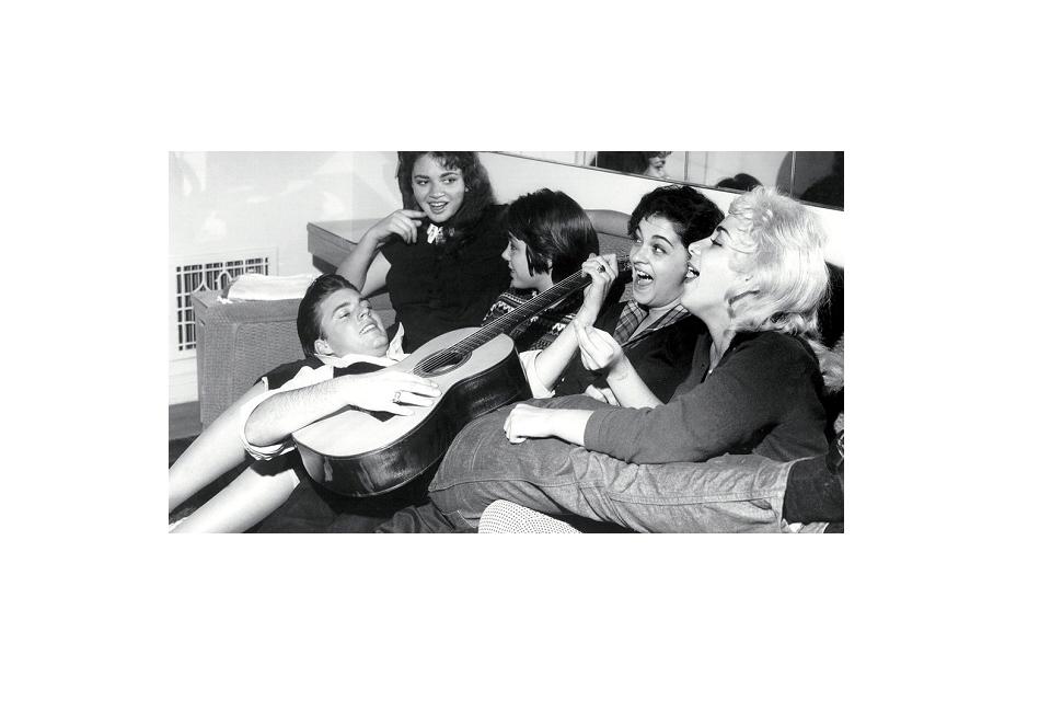 """ისტორიის პოპ გაკვეთილები - 2019 წელი - ჟანრობრივად განსხვავებული უახლესი 3 ქართული ტრეკი /1958- წელი, """"თინეიჯერების კუმირები"""" და როკ-ნ-როლის პირველი ეტაპის დასასრული"""