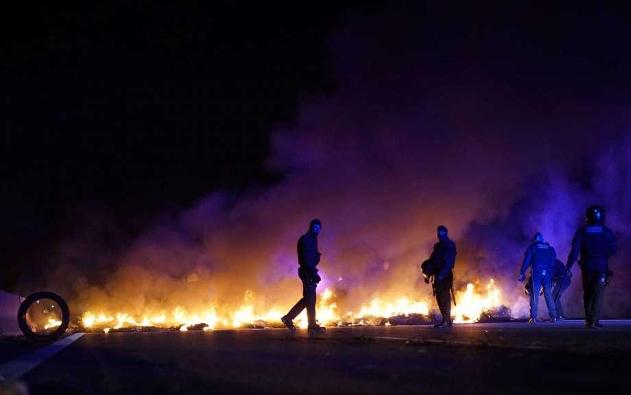 Активисты перекрыли дороги на демонстрации в поддержку независимости Каталонии