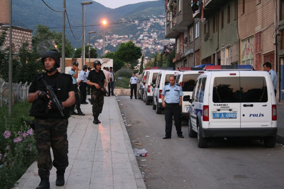 თურქეთის ხელისუფლებამ ფეთჰულა გიულენთან შესაძლო კავშირის გამო 295 სამხედრო მოსამსახურე დააკავა