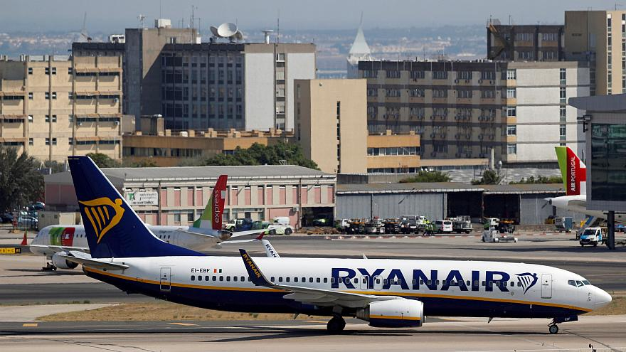 Ryanair and Wizzair fined millions for controversial cabin baggage charges in Italy