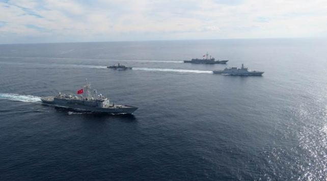 Türkiyə eyni zamanda üç dənizdə miqyaslı hərbi təlimlər keçirir