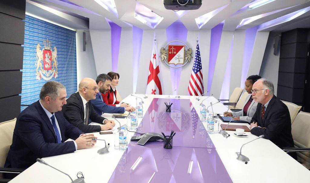 Иване Мачавариани встретился с и.о. посла США