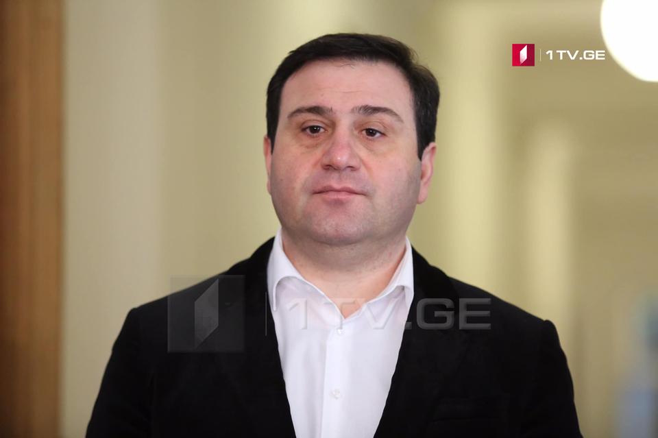 """ლევან კობერიძე - ხუმრობით ვიტყვი, """"ქართულმა ოცნებამ"""" კორონავირუსი იმდენად გვერდში დაიყენა, რომ მანაც სიყვარულით უპასუხა და პოლიტიკურ სპექტრში დაინფიცირება მათი ოფისიდან დაიწყო"""