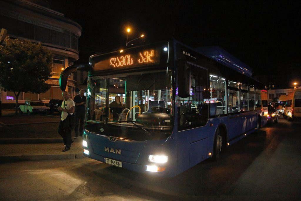 """8 მარტიდან თბილისში, მეტროსადგურ """"ახმეტელის თეატრიდან"""" ვარკეთილამდე """"ღამის ავტობუსი"""" იმოძრავებს"""