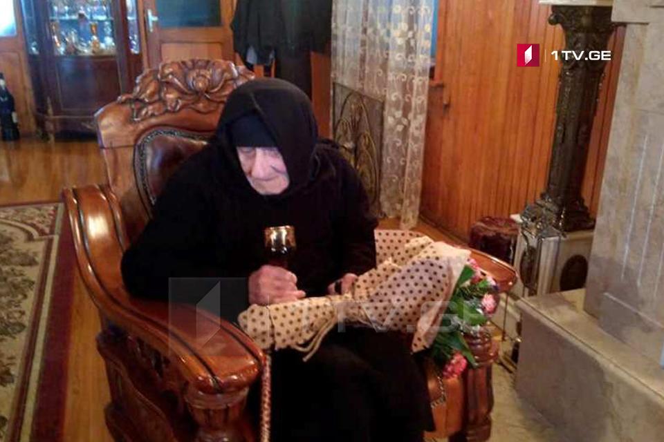 ზუგდიდში ხელისუფლების წარმომადგენლებმა ქალთა დღე 100 წელს გადაცილებულ ქალბატონებს მიულოცეს