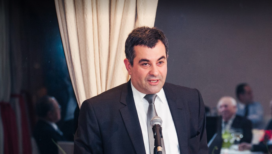 2018 թվականին Հունաստանում Վրաստանի քաղաքացիների համար տրամադրվել է 5006 բնակության իրավունքի փաստաթուղթ. Յոսեբ Նանոբաշվիլի